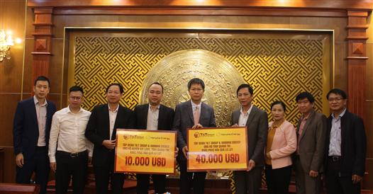 T&T Group and Hanwha Energy donated US $ 50,000 to Quang Tri province to overcome floods and storms